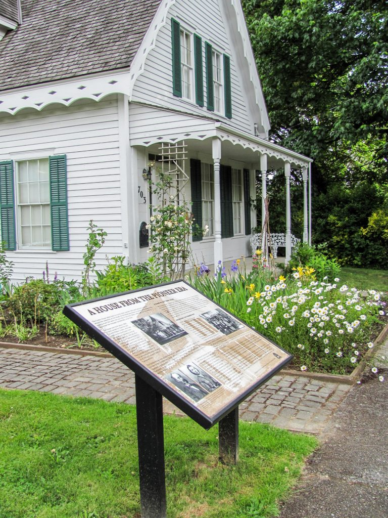 Historic Crosby House and Interpretive Sign